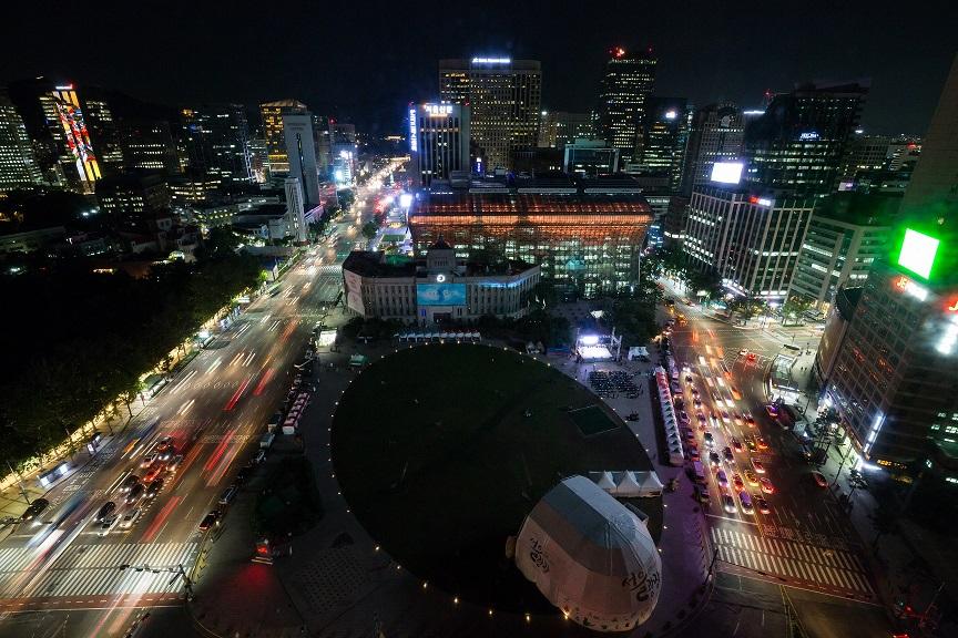 03 제14회 에너지의 날 서울광장 소등 전.jpg
